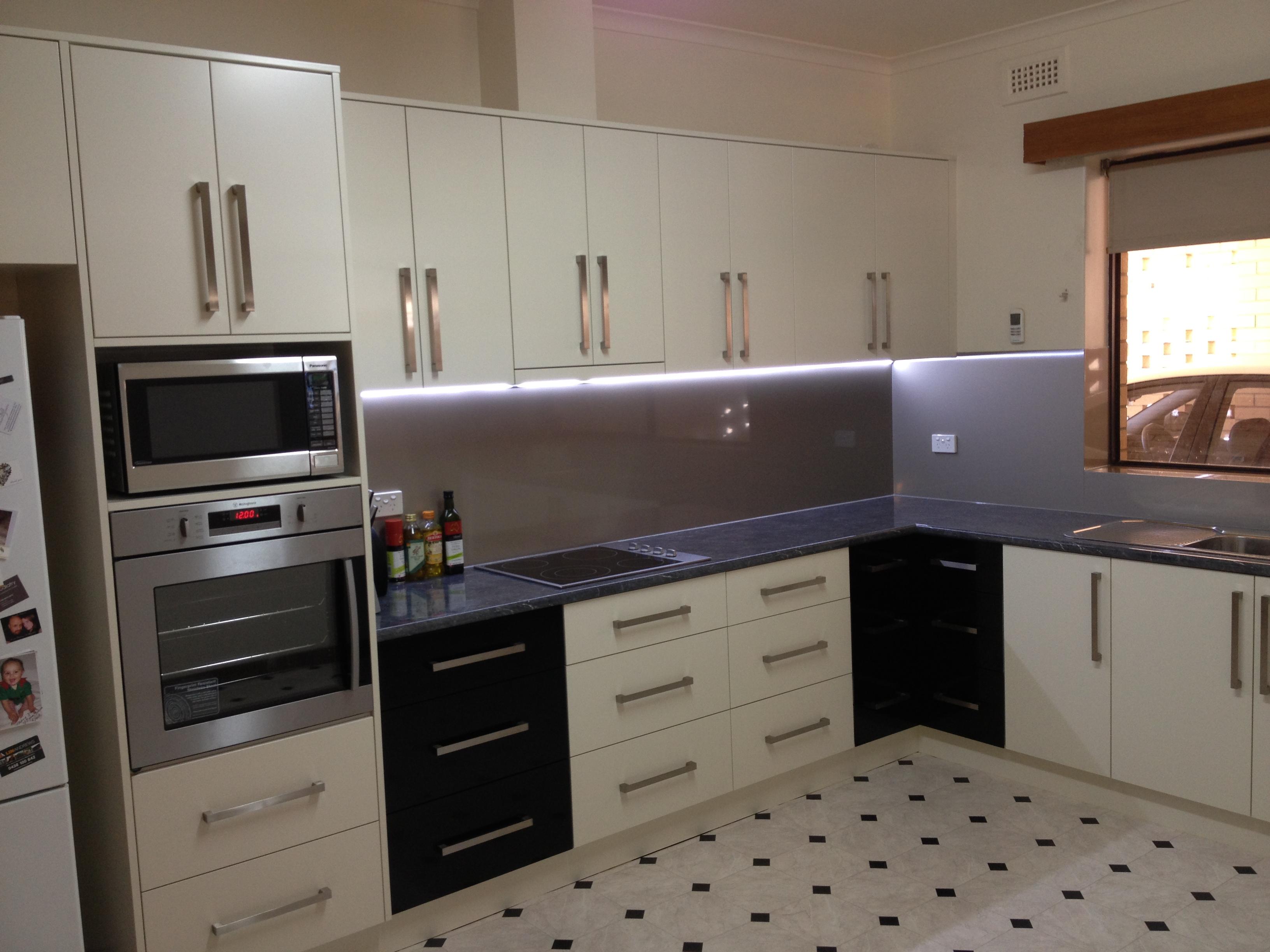 Kitchen Features Kitchen Features Cash S Cabinets Cash S